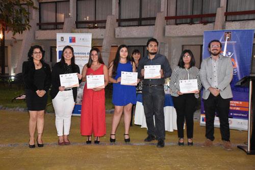 Foto Noticia Tutores Pares con sus certificados